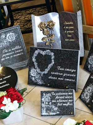 Une pensée en Soie  - Plaques  funéraires